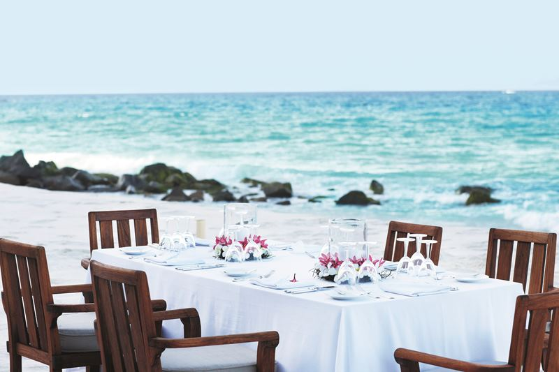 Bild Fregate_Island_Private_Dining_Beach.jpg