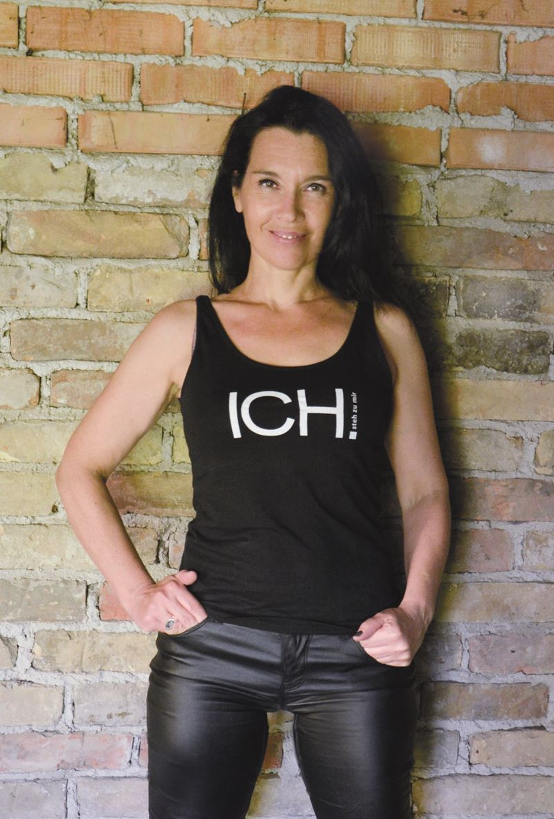 Bild ICH_SHIRT_Claudia_STACH_Mai_2020_2-scaled.jpg